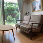 北九州市 I様邸 庭園&坪庭の見えるリビングの2人掛けソファ